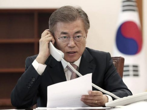 South Korean President Moon Jae-in talks on the phone with Chinese President Xi Jinping at the presidential Blue House in Seoul, South Korea. Picture: APSource:AP